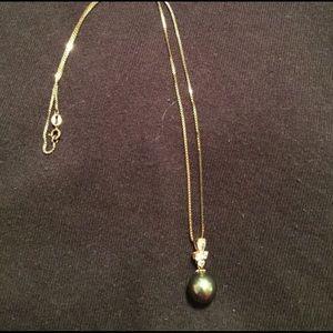 Jewelry - Pearl, rhinestone veil necklace